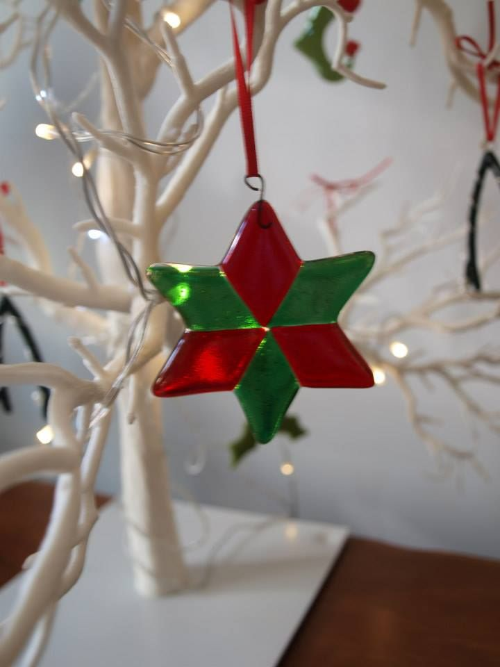 learn about the art of kiln fusing and make a stunning christmas decoration to treasure year after year in this fun relaxed and informal session